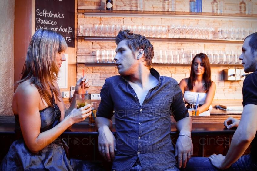 An der bar flirten [PUNIQRANDLINE-(au-dating-names.txt) 39